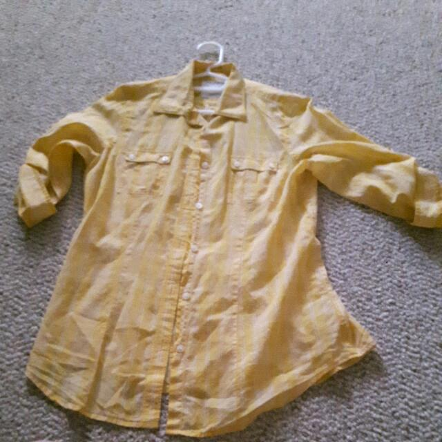 American Eagle Longer Sleeve Shirt