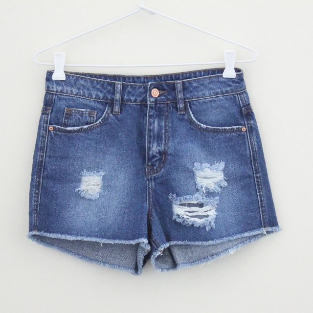 Blue Denim Jeans Shorts Destroyed Distressed Ripped Raw Hem Fray Cut Offs size 8