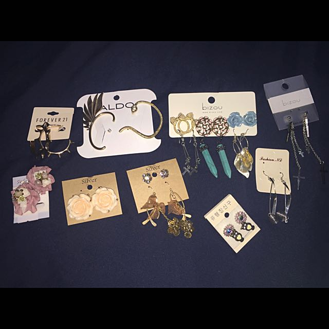 ALL FOR $10Bunch Of Nice Earrings