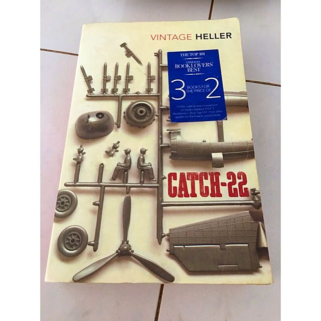 Catch 22 Book Vintage Edition Heller