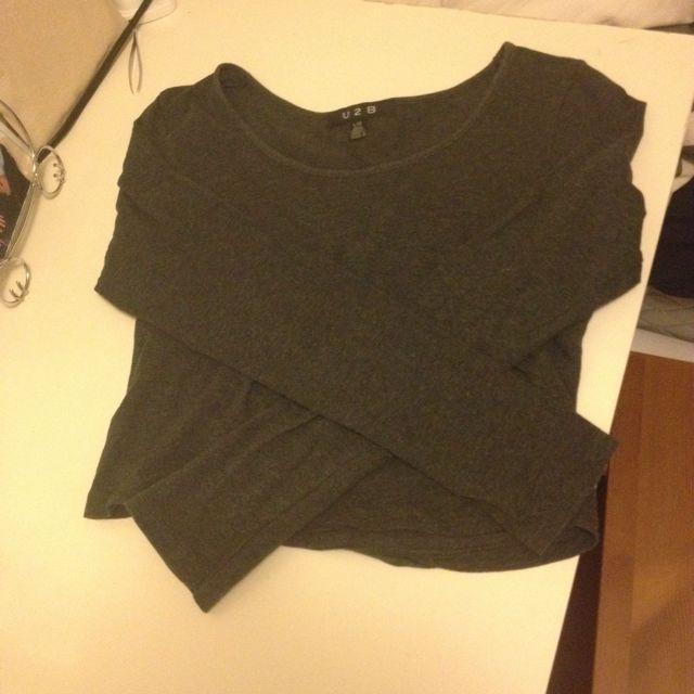 Grey Long Sleeve Crop Top