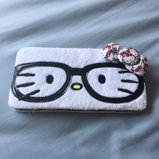 Hello Kitty Furry Wallet 🐾