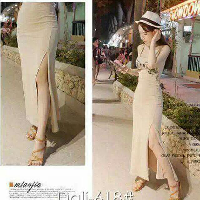 Maxi Dreas With Slit