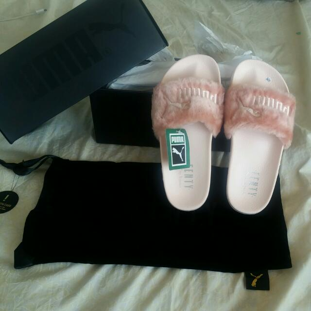 New Rhianna FENTY fur slides Pink Size 6.5, Never Worn