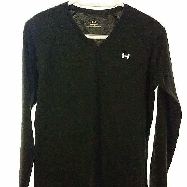 Under Armour Black Heat Gear Long Sleeve