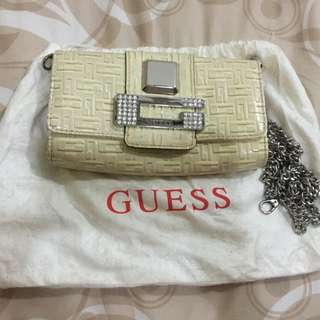GUESS Clutch In Ivory