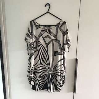 Short Pattern Dress/large Hanging T-shirt
