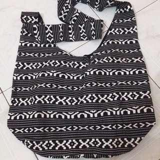 (Reserved) F21 Aztec Print Sling Bag