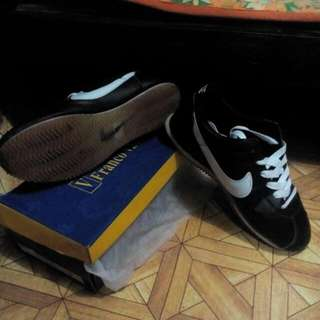 For sale nike Cortez  size 42 grade 7 or 8