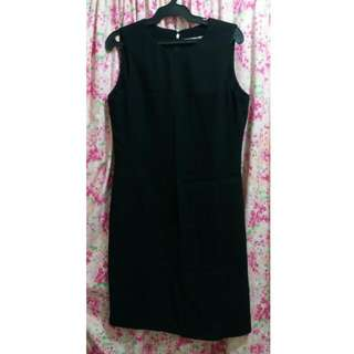 G200 Black Formal Dress