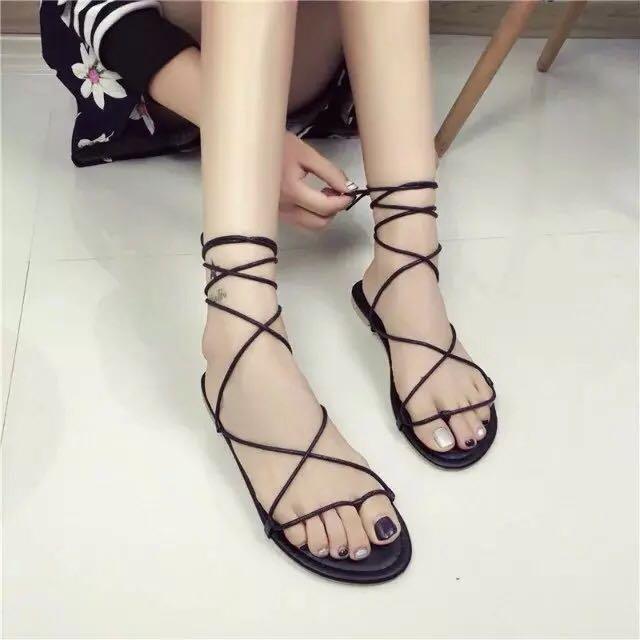 超級夯✨歐美簡約露趾綁帶平底凉鞋夾腳式