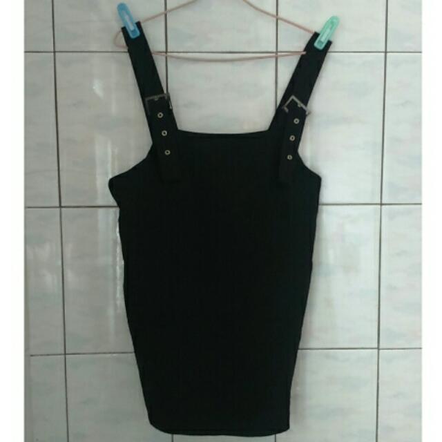 黑色吊帶裙