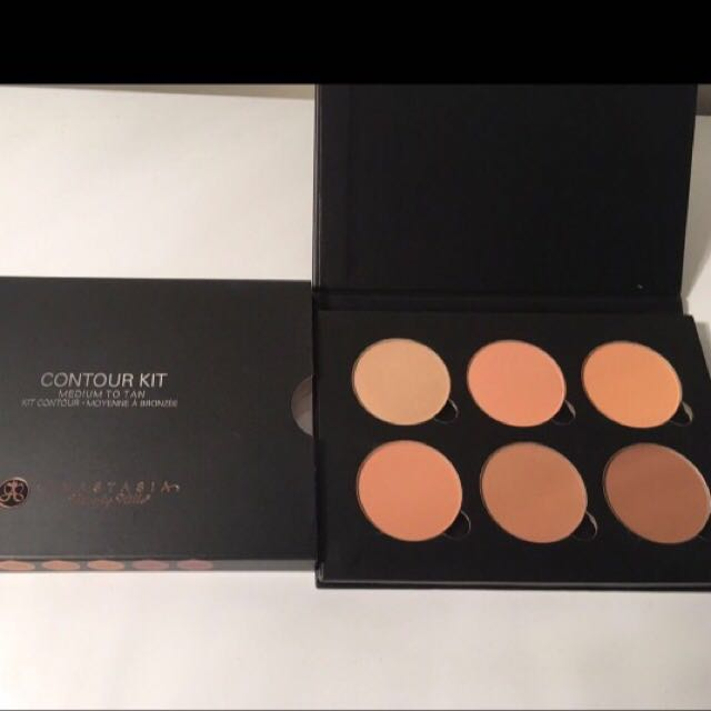 AUTHENTIC Anastasia Beverly Hills Contour Kit In Medium To Tan