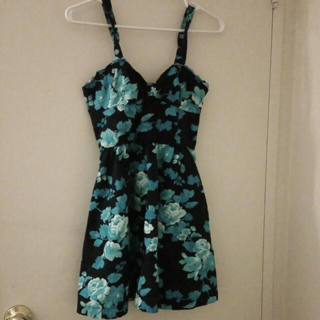 (F21) Short Floral Dress