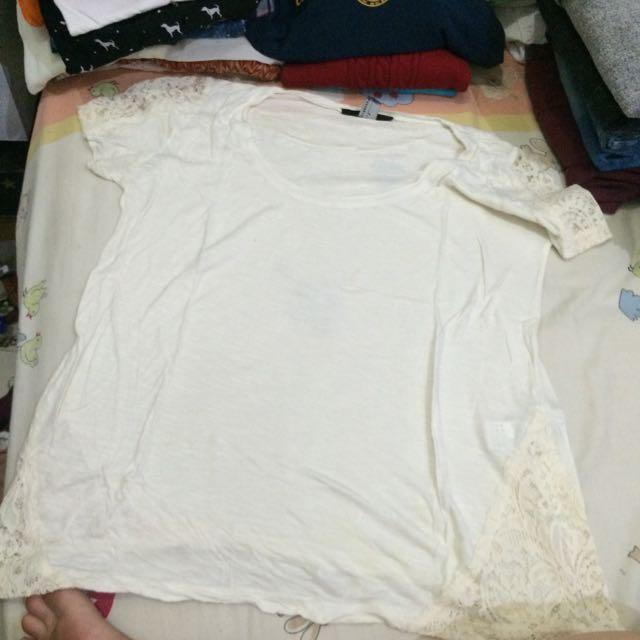 Forever 21 Broken White Brokade Tshirt