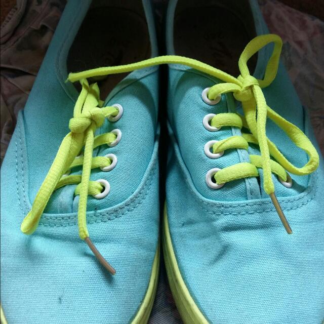 Pre-loved Shoe