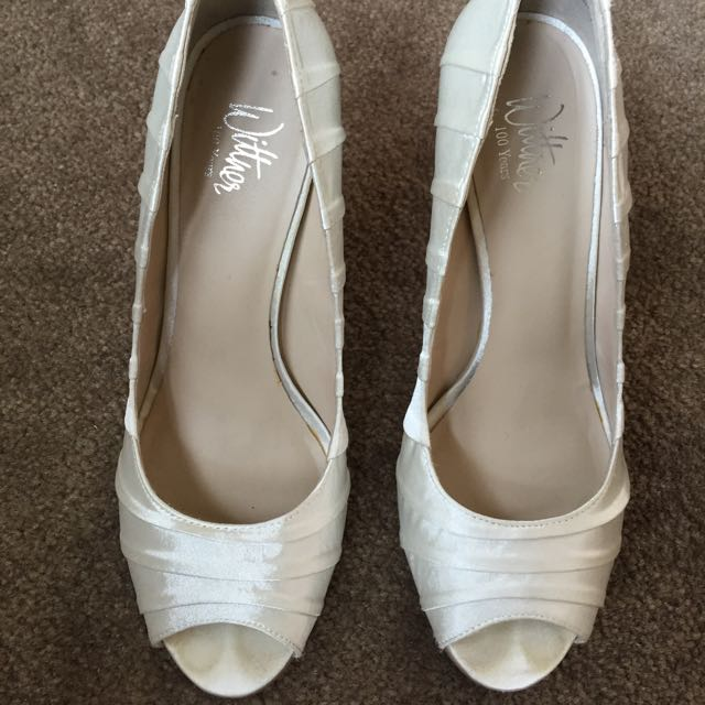 Size 7 Wittner Heels