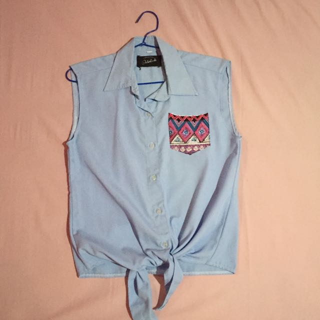 Sleeveless Blue Shirt With Tribal Pocket
