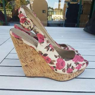 Floral Wedges Sz 39