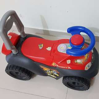 Small Kids / Toddler Car..with music / light
