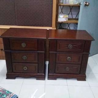 A Pair Of Solid Wood Side Table