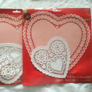 Wilton Heart-shaped Paper Dolies