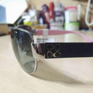 Coach 粉黑邊框 氣質太陽眼鏡