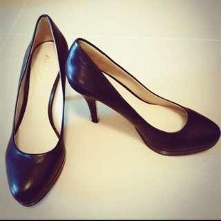 ALDO黑色高跟鞋 降價~~