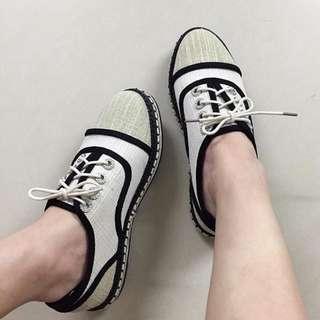 杏色拼接鑽帆布鞋