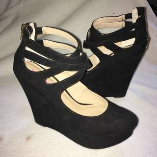 Size 7 Just Fab Black Wedges