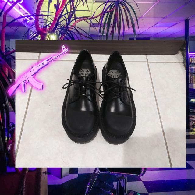 👟霧面圓頭厚底鞋