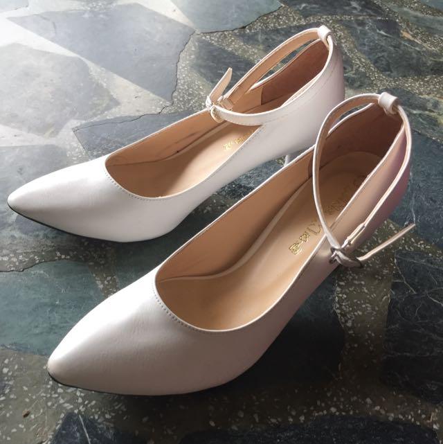 宴席使用💗白色尖頭繞踝跟鞋 跟高7cm 23.5cm