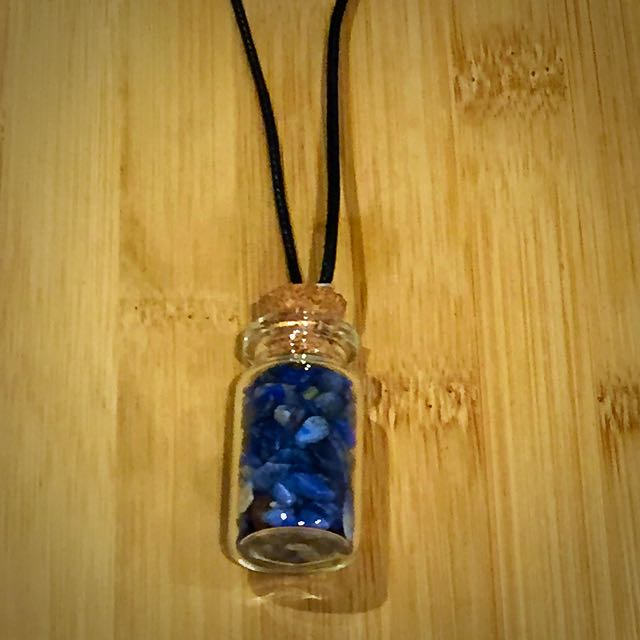 Blue Pebbled Pendant Necklace