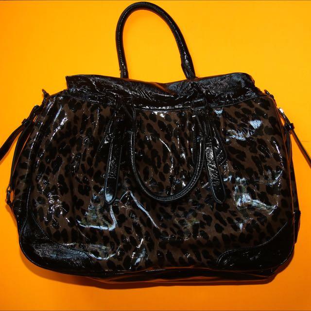 Leaopard andbag