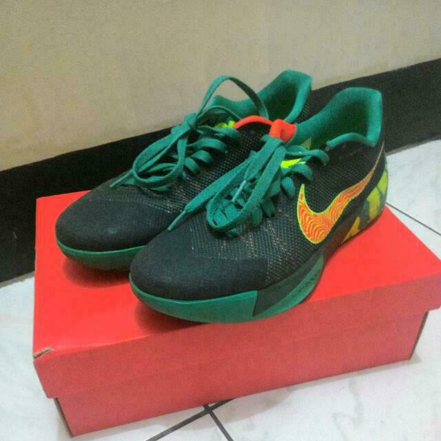 Nike 籃球鞋