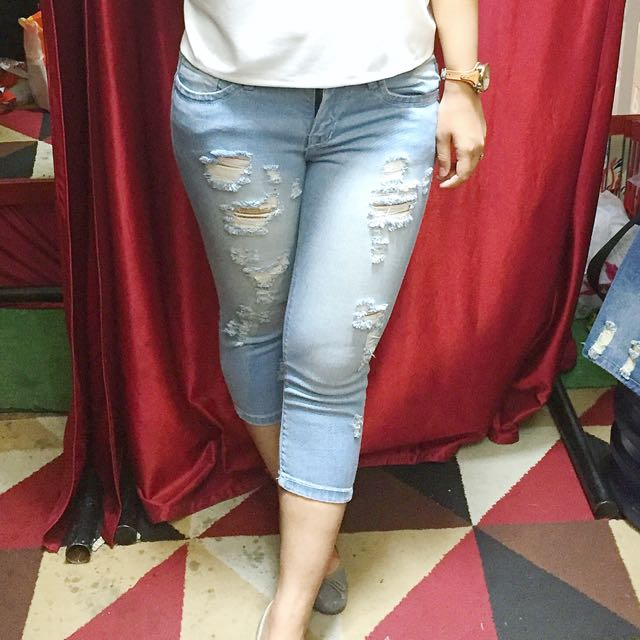 Ripped Jeans 7/8 (reprice)
