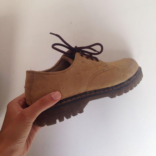 Sepatu Bots