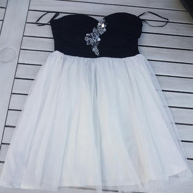 Sz 8 Dress Strapless