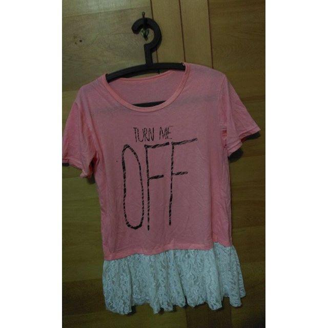 👘 拼接蕾絲T恤