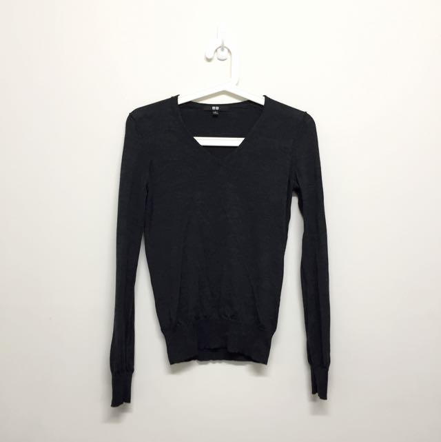 uniqlo 100% wool jumper