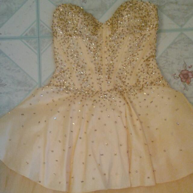 Yellow/Gold Sparkly Dress