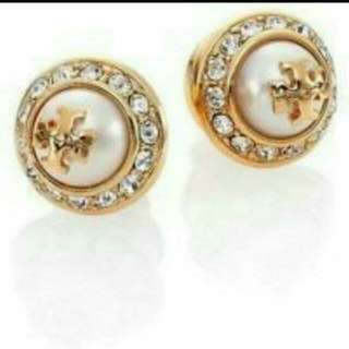 SALE💋Authentic TORY BURCH PEARL STUD EARRING
