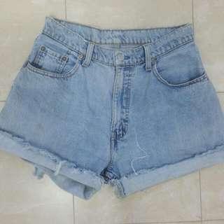 Vintage High Waisted Levi Cut Off Denim Shorts Size 10-12