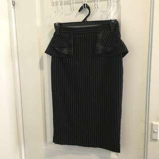 Cue Pencil Skirt w Peplum Detail sz6