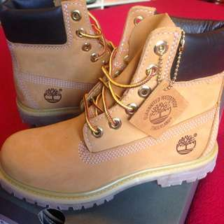 Timberland Women's Wheat Boot Size US 5