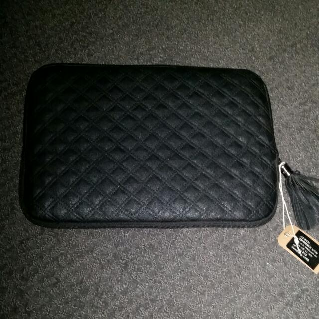 10 inch Typo Black Luxury Case