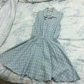 淺藍格子洋裝