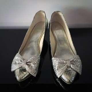 Sparky Silver Kitten Heels