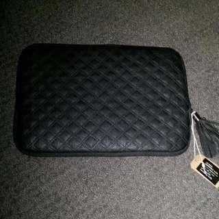 10 inch Typo Black Luxury Case
