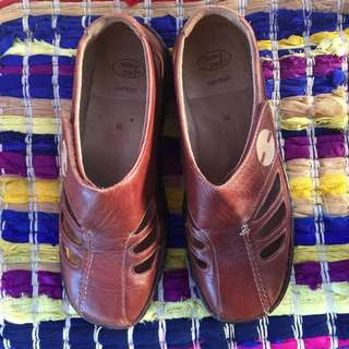 Homy Ped Leather Shoes